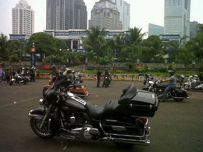 Harley Owners Group Tebarkan Virus Safety Riding